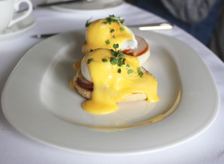 Eggs Benedict Waldorf